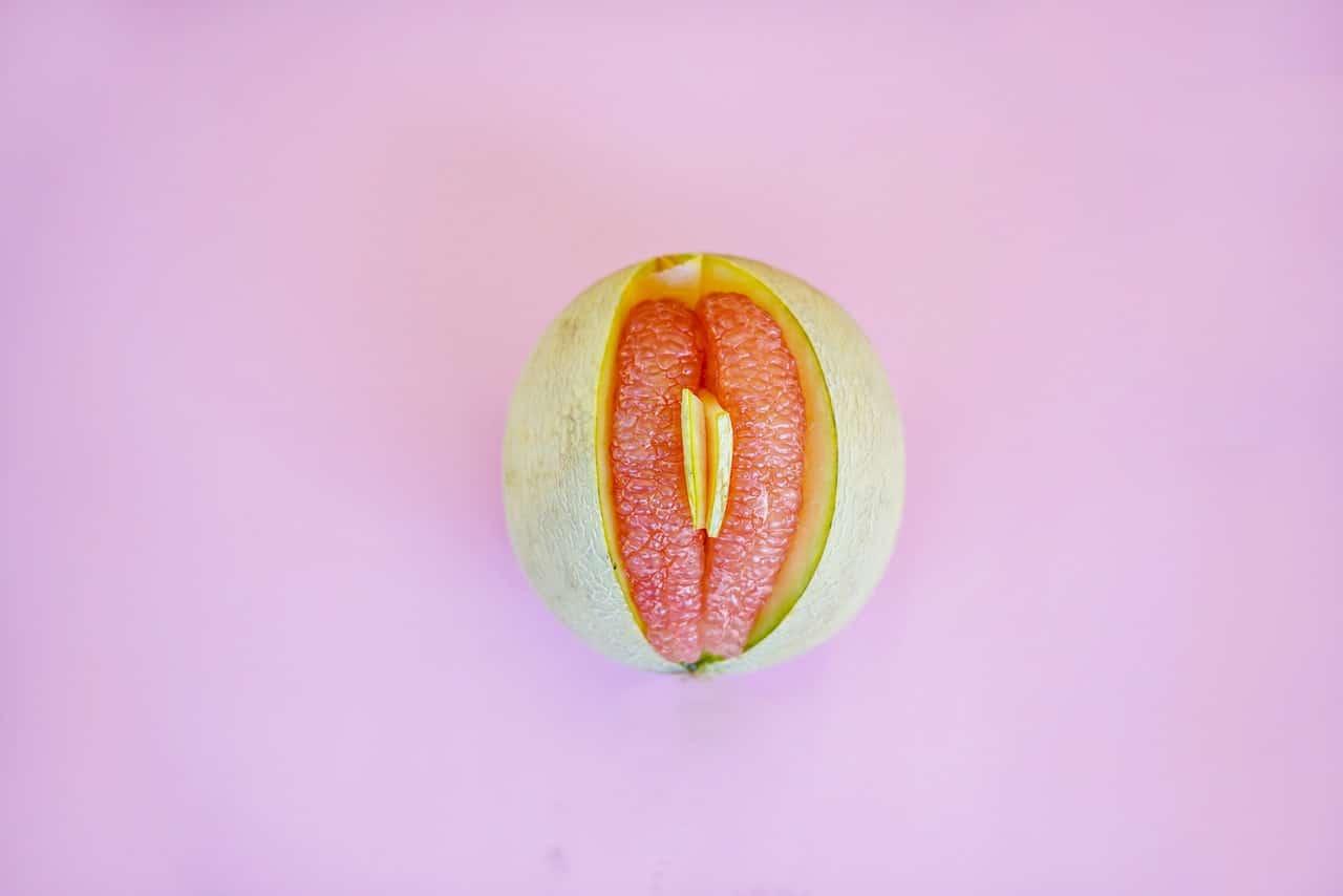 rimodellamento e riduzione delle grandi labbra vaginali per l'estetica della vulva